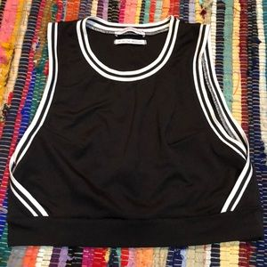 URBAN OUTFITTERS CROPPED TANK